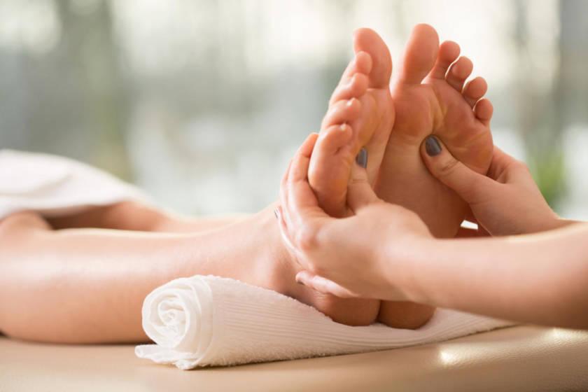 Massagem nos pés e os benefícios para a saúde